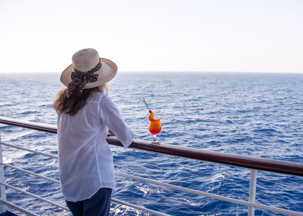 Solo cruise excursion with a cocktail drink